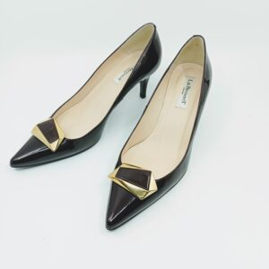Pointed toe Pumps for sale