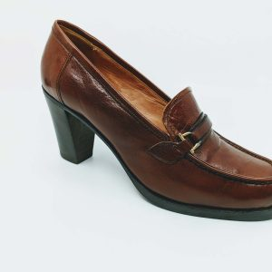 Vintage authentic heeled loafers