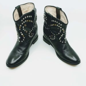 Ankle boots in leather