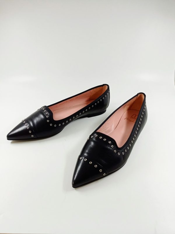 Second hand shoes for sale