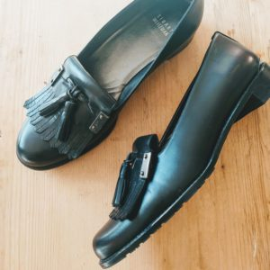 Loafers in black leather